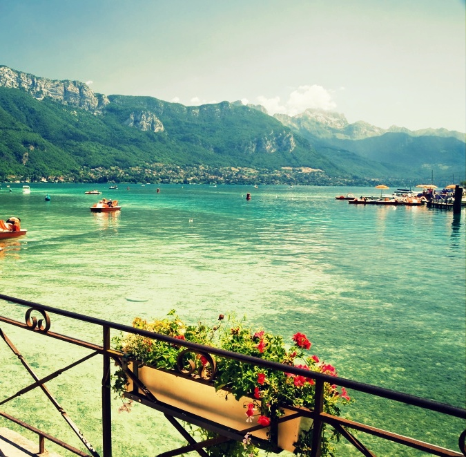 view_of_lake_annecy