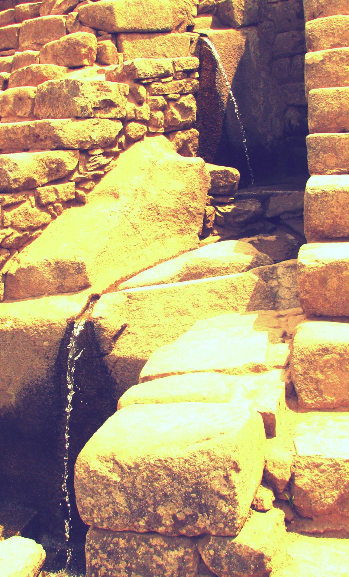 Aqueducts  of the Machu Picchu
