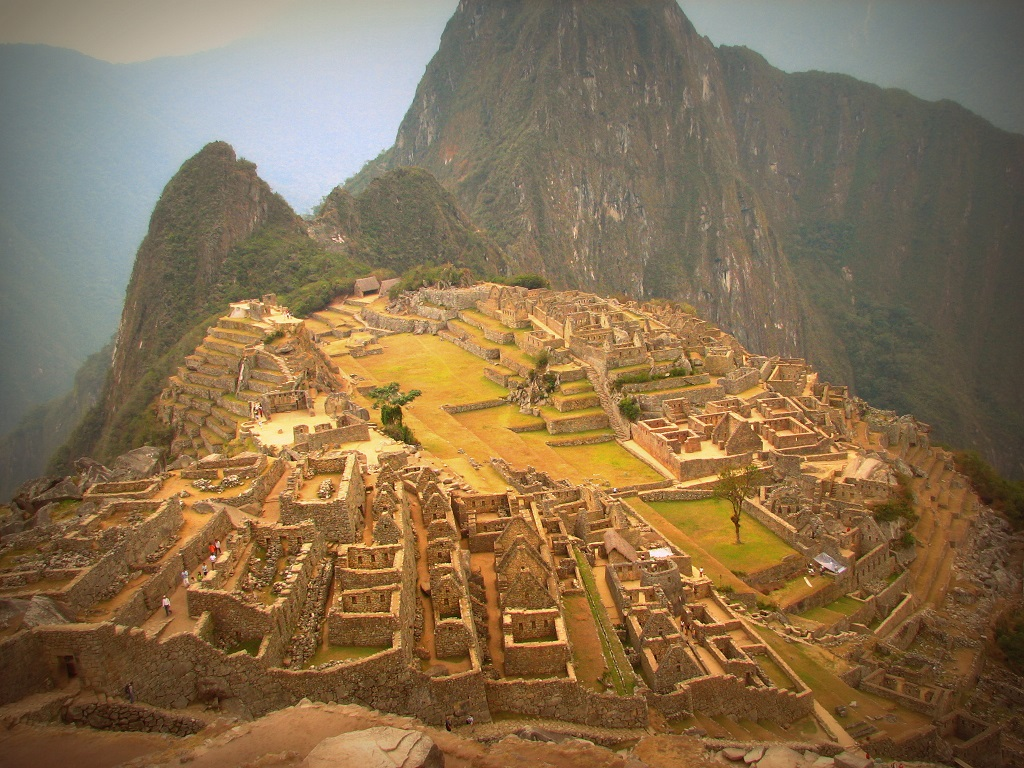 THE INCA MARVEL OF THE MACHU PICCHU ON THE RIDGE OF THE PERUVIAN ANDES